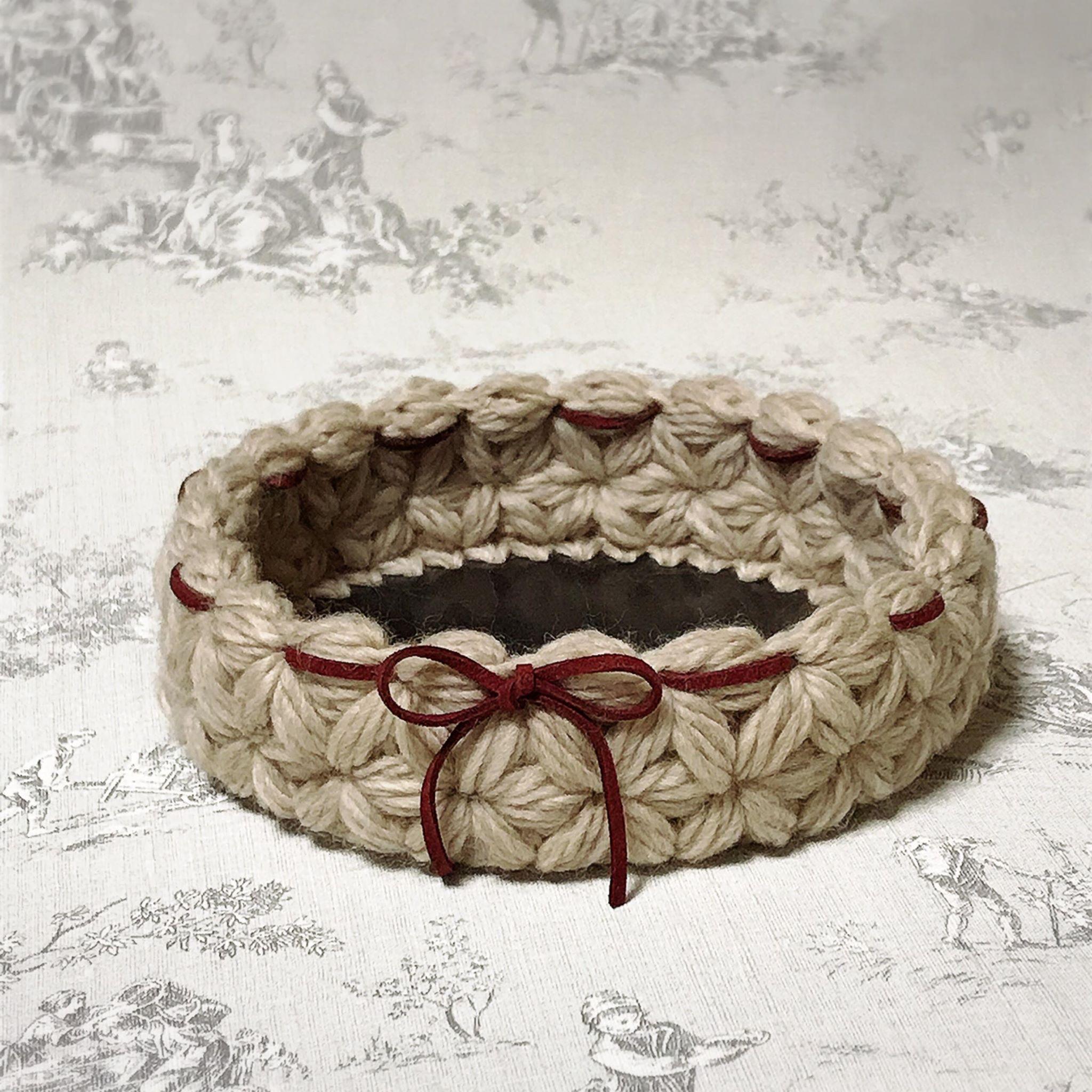 リフ編みで作るトレーのイメージ